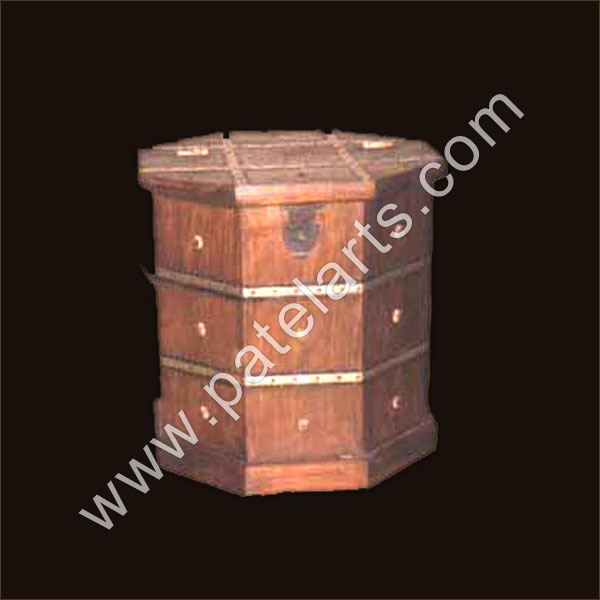Wooden Boxes, jewellery boxes, Carved Wooden Box, Wood Storage Box, antique boxes, Manufacturers, India, Handcrafted Boxes, Handcrafted Wooden Box, Hand-Made Jewelry Wood Boxes, painted wood box, Exporters, India, big wooden boxes, Glass wood Jewelry Boxes, Wooden Box Frames, Decorative Wooden Box, Udaipur, Rajasthan, India